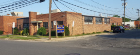 662 Main St, Westbury Industrial Property For Sale