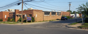 662 Main St & 66 Brooklyn Ave, Westbury Industrial Property For Sale