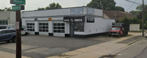 125 Merrick Rd, Merrick Retail-Auto Service Property For Sale Or Lease
