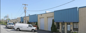 160-184 Express Dr S, Brentwood Industrial Space For Lease