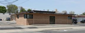 356 Commack Rd, Deer Park Industrial Property For Sale