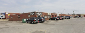 4 Newtown Plz, Plainview Industrial Space For Lease