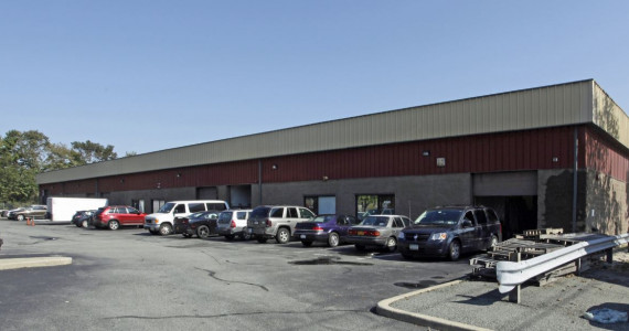 450-460 W John St, Hicksville Industrial Space For Lease