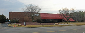 55 Commerce Dr, Hauppauge Industrial Space For Lease