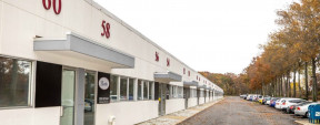 60 Cain Dr, Brentwood Industrial Space For Lease