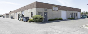 60 S 2nd St, Deer Park Industrial Space For Lease