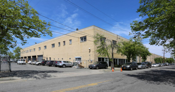 600 Bayview Ave, Inwood Industrial Space For Lease