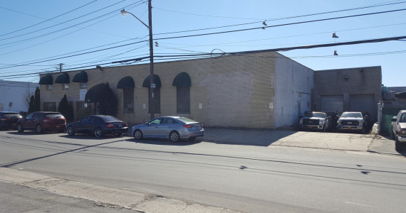 608 Main St, Westbury Industrial Property For Sale