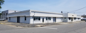689 Main St, Westbury Industrial Property For Sale