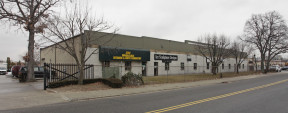 697 Acorn St, Deer Park Industrial Space For Lease