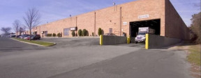 717 Broadway Ave, Holbrook Industrial Space For Lease