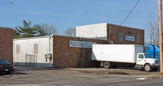 8 Drayton Ave, Bay Shore Industrial Space For Lease