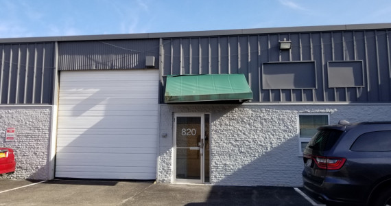 800-820 Shames Dr, Westbury Industrial/Office Space For Sublease